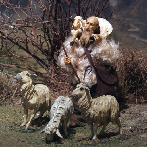 Zeitreisen im Museum | Krippenfiguren im Museum Aschenbrenner