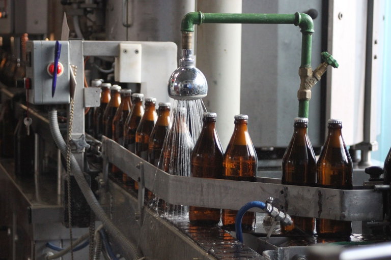 Dachsbräu | Bierflaschendusche