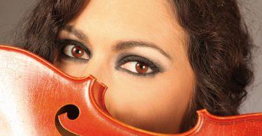 Ausnahmegeigerin anna katharina spielt am 02. November 2013 in Murnau