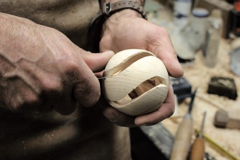 Holzkugeldrechsler | Schnitzen
