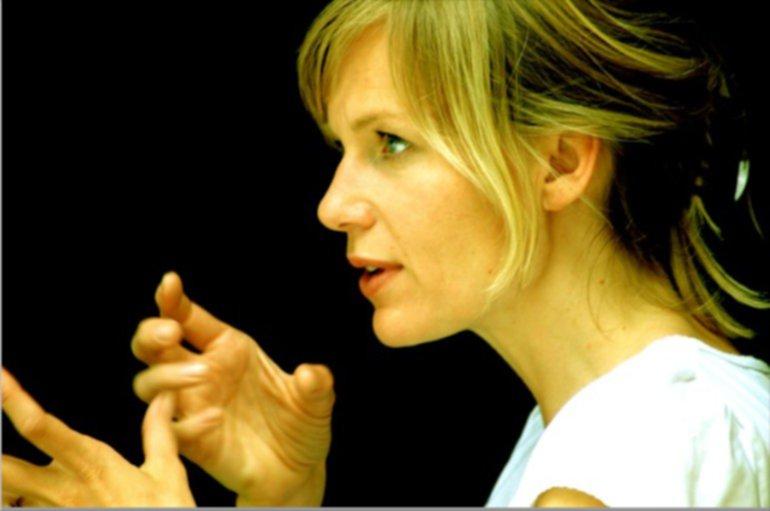Und Action   Katharina Schwarz