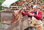 Georg Bergmann sammelt den Trester, also die gepresste Maische, in einem Anhänger. Jäger holen die trockene Apfelmasse ab und mischen daraus für Rehe das Winterfutter