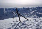 Traumski nach Maß: selbst gebaute Freerideski mit echtem Zebranoholz in den Alpen