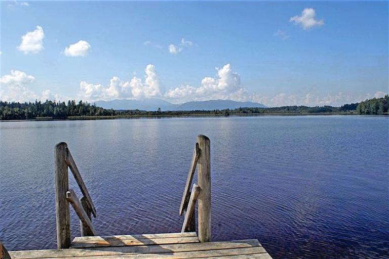 Badespaß mit Bergblick   Der Kirchsee